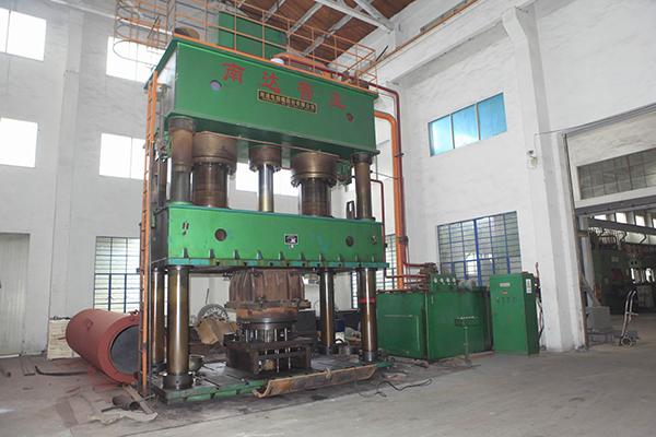 2000T四柱式液压机